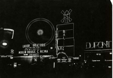 Germaine Krull - Moulin Rouge et Place Blanche