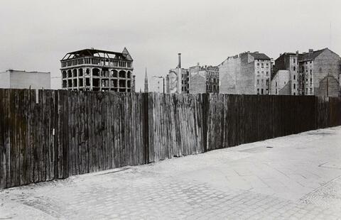 Will McBride - Bretterzaun Nähe Potsdamer Platz, Berlin
