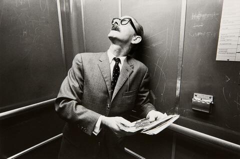 Heinrich Riebesehl - Menschen im Fahrstuhl (People in the elevator)