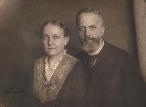 August Sander - Großkaufmann mit Gattin (Merchant and wife)