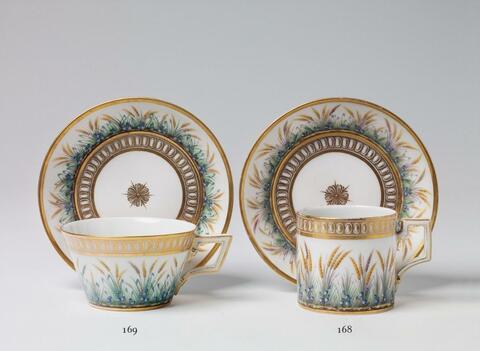 Teetasse mit fleurs en terrasse -