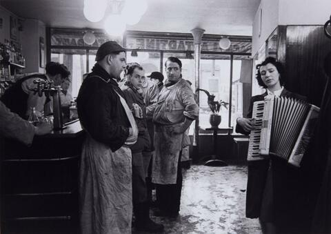 Robert Doisneau - Die musikliebenden Metzger (Music-loving Butchers)