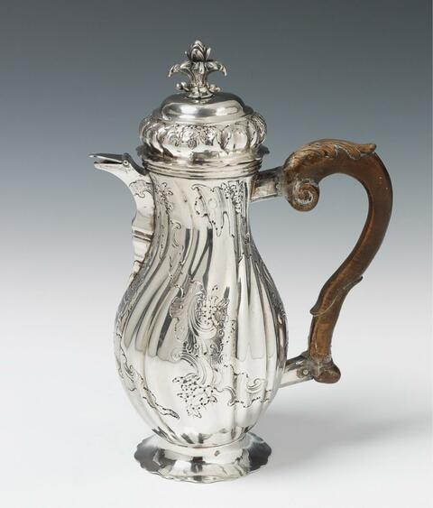An Augsburg silver coffee pot. Marks of Johann Georg Kloss(e), 1765 - 67. -