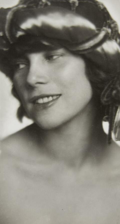 Trude Fleischmann - Tilly Losch, dancer at the Vienna State Opera