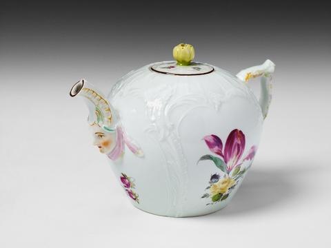Frühe Teekanne mit Maskaron -