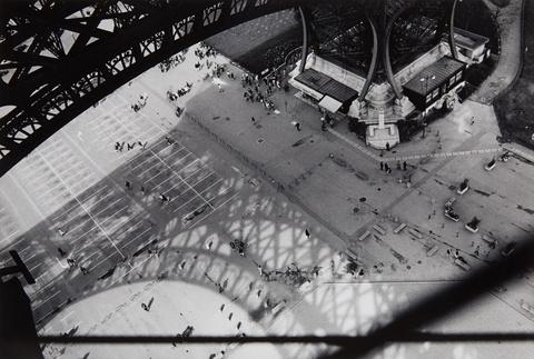 Abe Frajndlich - Eiffel view with shadow