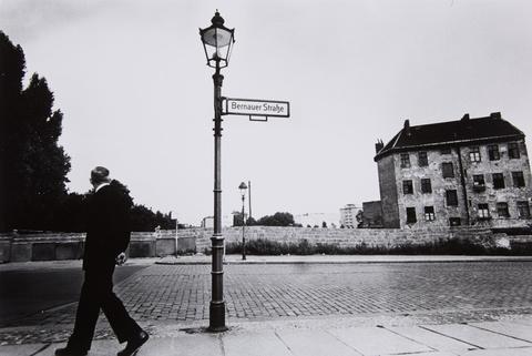 Will McBride - Mann in der Bernauer Straße, Berlin