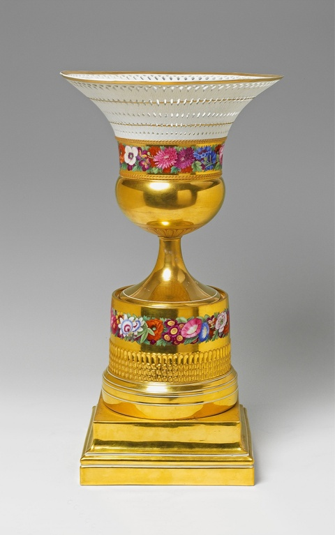 Großer Fruchtkorb en vase -