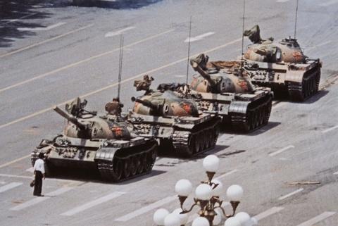Jeff Widener - Tank Man, Beijing