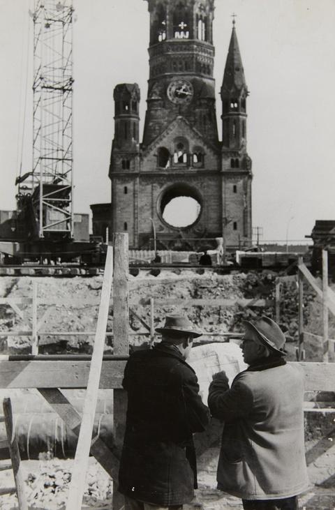 Will McBride - Bauherren, Restaurierung der Gedächtniskirche, Berlin
