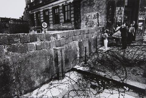 Will McBride - Bernauer Str., Berlin