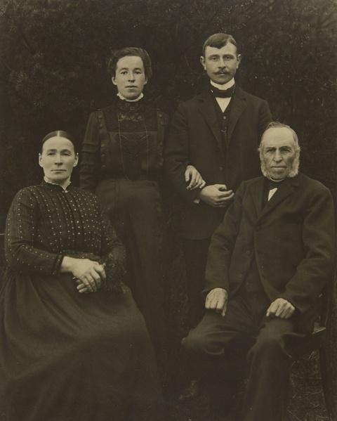 August Sander - Familie aus dem Westerwald