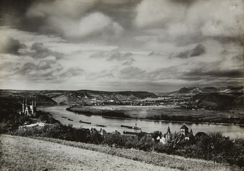 August Sander - Blick auf das Siebengebirge vom Victoriaberg bei Remagen