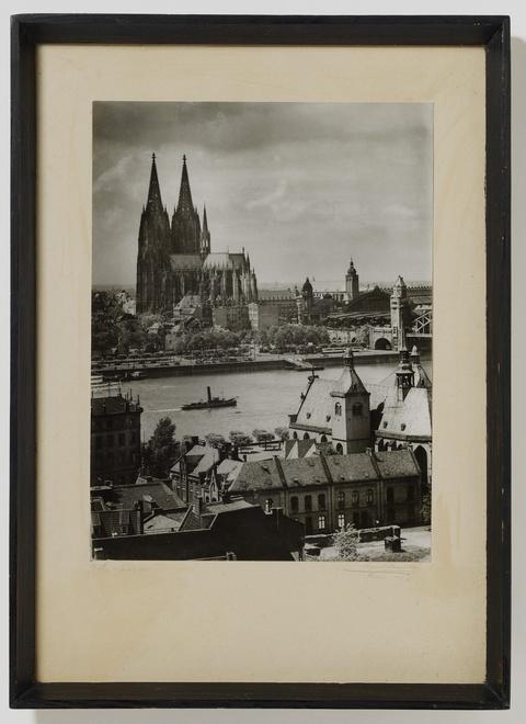 August Sander - Blick von der Heribertuskirche Deutz
