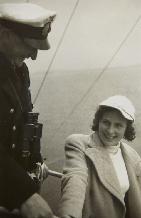 """Diverse Photographen - Leni Riefenstahl beim Dreh des """"Olympia""""-Films (Leni Riefenstahl during the filming of """"Olympia"""")"""