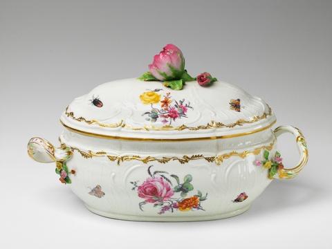 Ovale Terrine mit Rosenknauf -