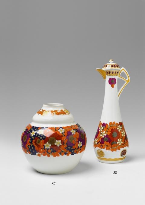 Vase mit Blumendekor -