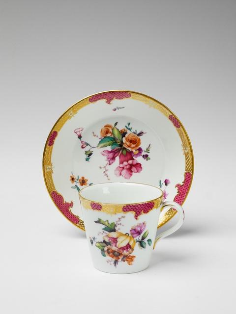 Tasse mit Purpurschuppen -