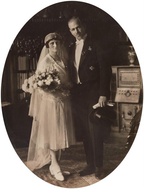 August Sander - Ohne Titel (Hochzeitspaar)