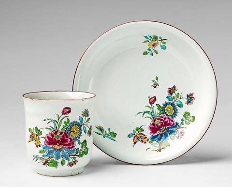 "A rare Höchst faience cup and saucer with ""indianische blumen"" decor -"