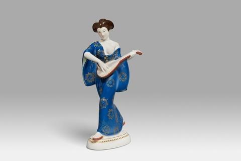 Japanerin mit Mandoline -