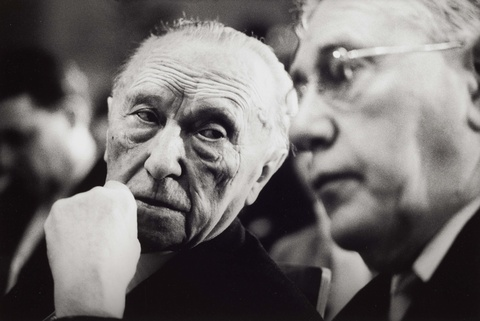 Robert Lebeck - Konrad Adenauer mit Staatssekretär Hans Globke, Bonn