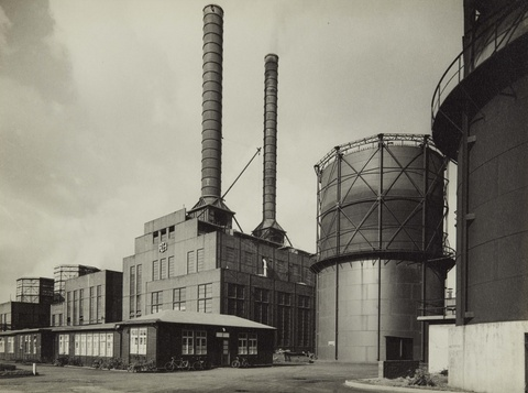 Albert Renger-Patzsch - Kraftwerk, Alte Verwaltung (Ruhrchemie Aktiengesellschaft, Oberhausen-Holten)