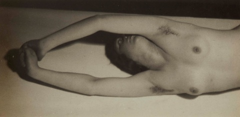 Germaine Krull - Ohne Titel (Akt)