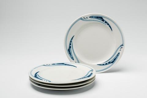 Four Meissen porcelain dinner plates designed by Henry van de Velde -