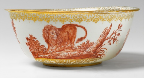 """A Meissen Boettger porcelain bowl decorated with wild animals by an Augsburg """"hausmaler"""" -"""