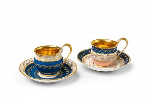 Zwei antikische Tassen -