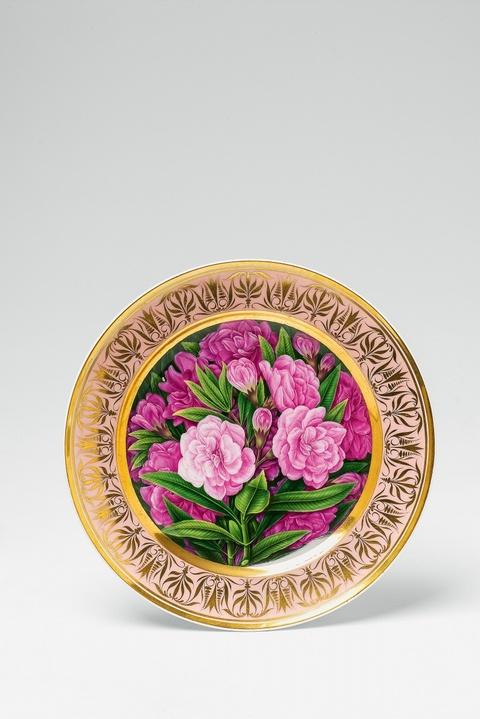 Teller mit Oleanderblüten -