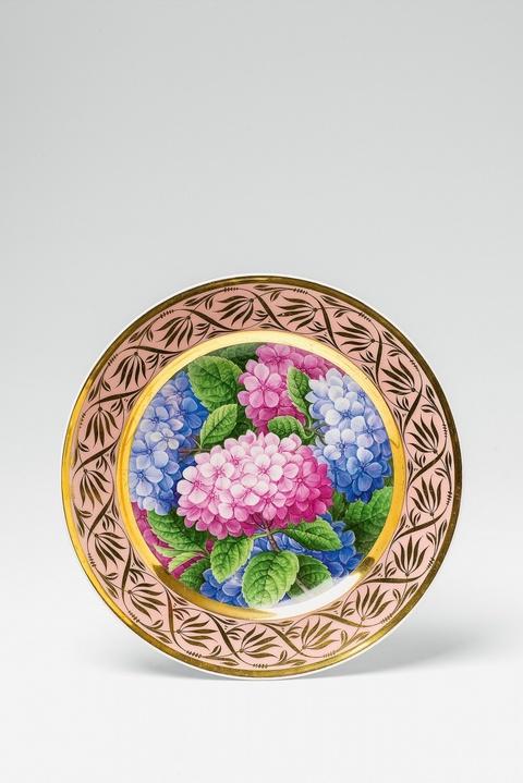 Teller mit Hortensien in zwei Farben -