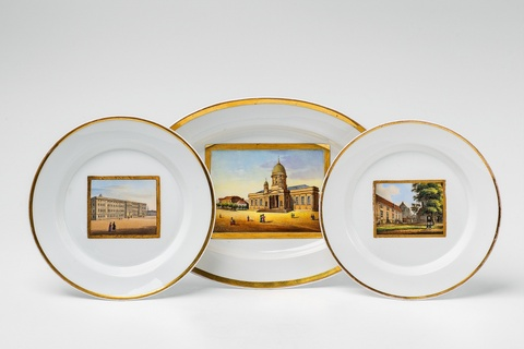 Paar Teller und eine Platte mit Berliner Ansichten -