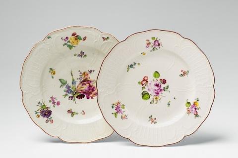 Zwei Teller aus dem Tafelservice für Prinz Heinrich -