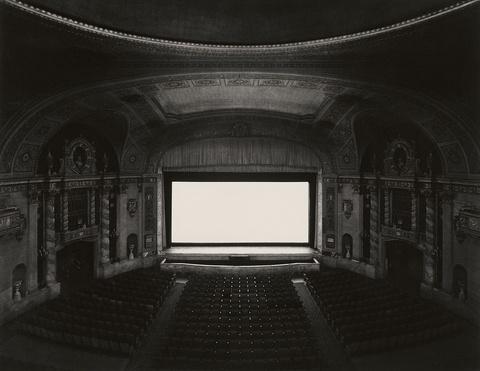 Hiroshi Sugimoto - U.A. Walker, New York (aus der Serie: Theatres)