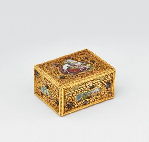 Goldemail-Tabatière mit Jagdszenen -