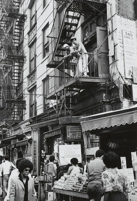 Herbert Tobias - Young boy, old boy, Chinese Town, New York City. Men everywhere, New York City