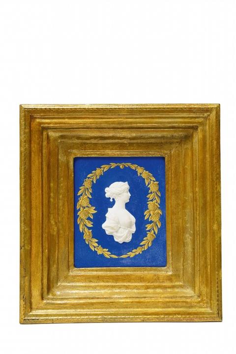 Plakette mit Reliefbildnis der Königin Luise -