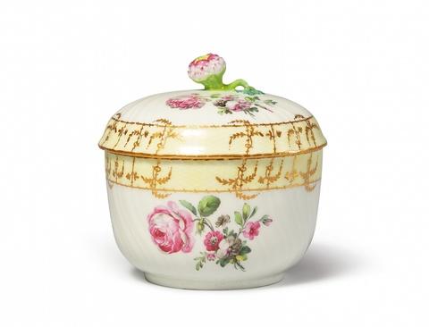 Zuckerdose mit dreifarbigen Blumen -