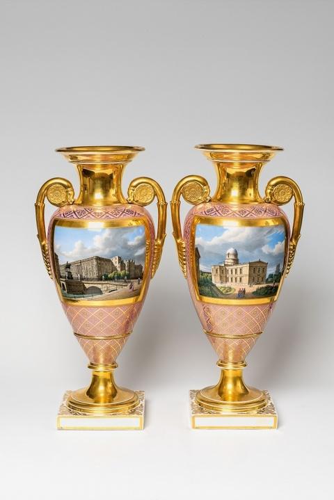 Paar Vasen mit Ansichten von Berliner Gebäuden -