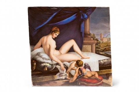 Signiertes Porzellanbild mit Venus und Amor -