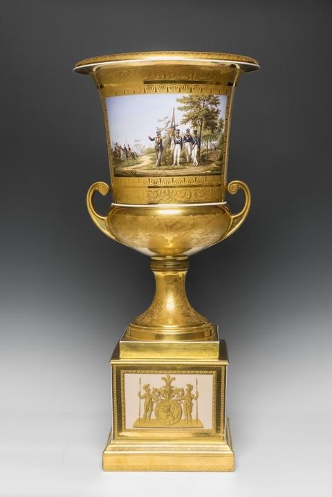Vase mit preußischen Soldaten und Ansicht des Blücherplatzes in Breslau -