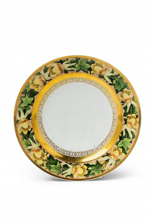 Teller mit Blütenband aus dem Hochzeitsservice für Prinzessin Luise -