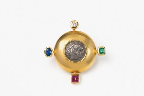Scheibenbrosche mit antiker Münze -