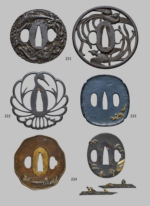 Konvolut von zwei Weichmetall-tsuba und einem Paar shakudô menuki. 19. Jh. -