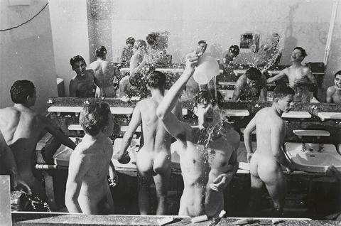 Will McBride - Morgen Duschen, Schlossschule Salem