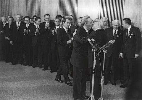Barbara Klemm - Leonid Breschnew, Erich Honecker, 30. Jahrestag der DDR, Berlin-Ost