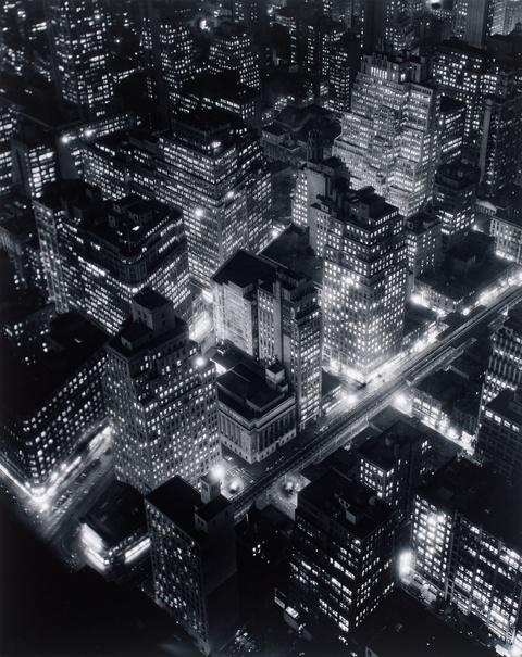 Berenice Abbott - Nightview, New York