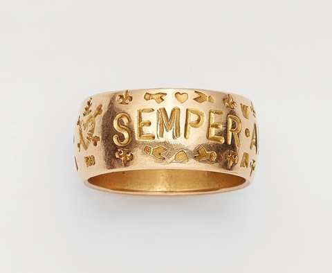 An 18k gold gentleman's friendship ring -